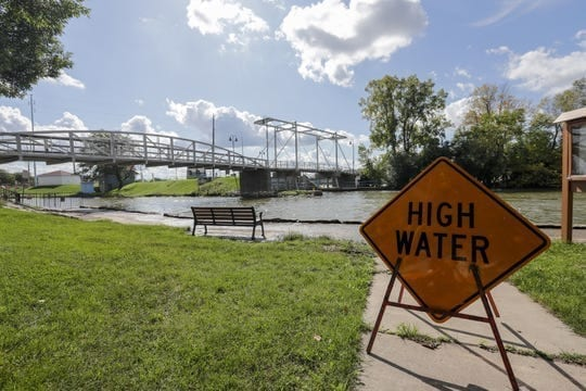 High and fast water on the Fox River sparks concern